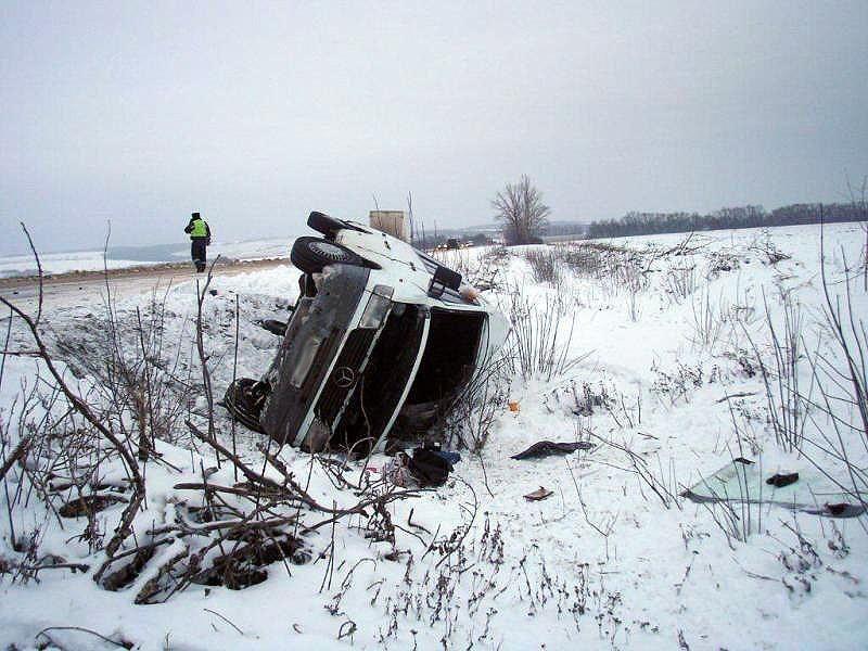 ВОмской области мужчина безуспешно съездил всоседнее село начужой машине