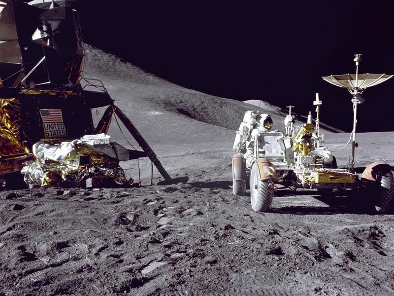 Ученые NASA пояснили «левитацию» лунной пыли