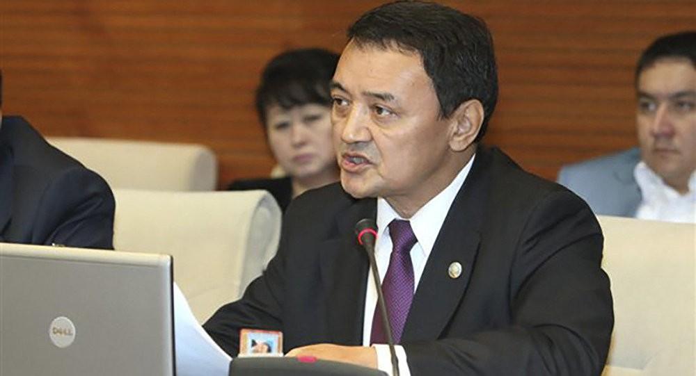 Тиникеев сложил ссебя депутатские полномочия после скандального видео