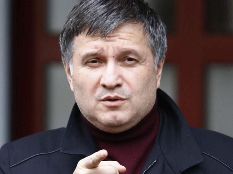 Геращенко заподозрил Авакова вготовности метнуть стакан вПорошенко
