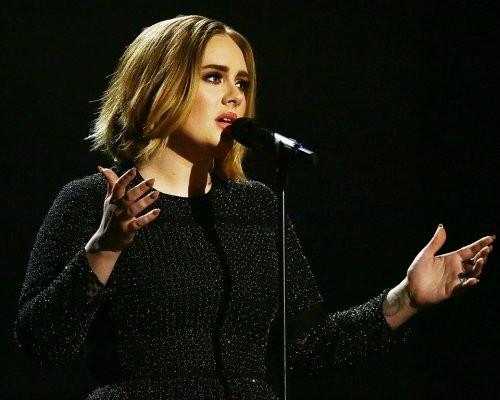 Адель стала артистом года поверсии Billboard