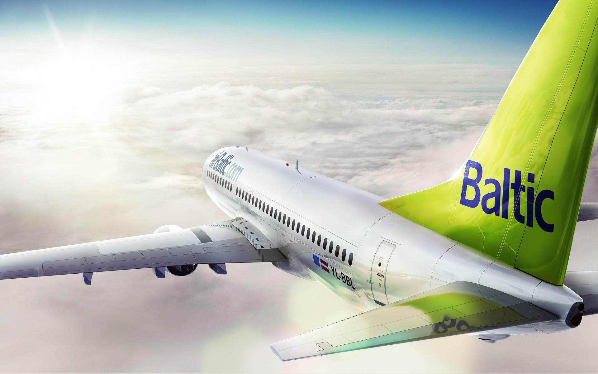 Самолет AirBaltic экстренно сел вРиге из-за сложностей сшасси