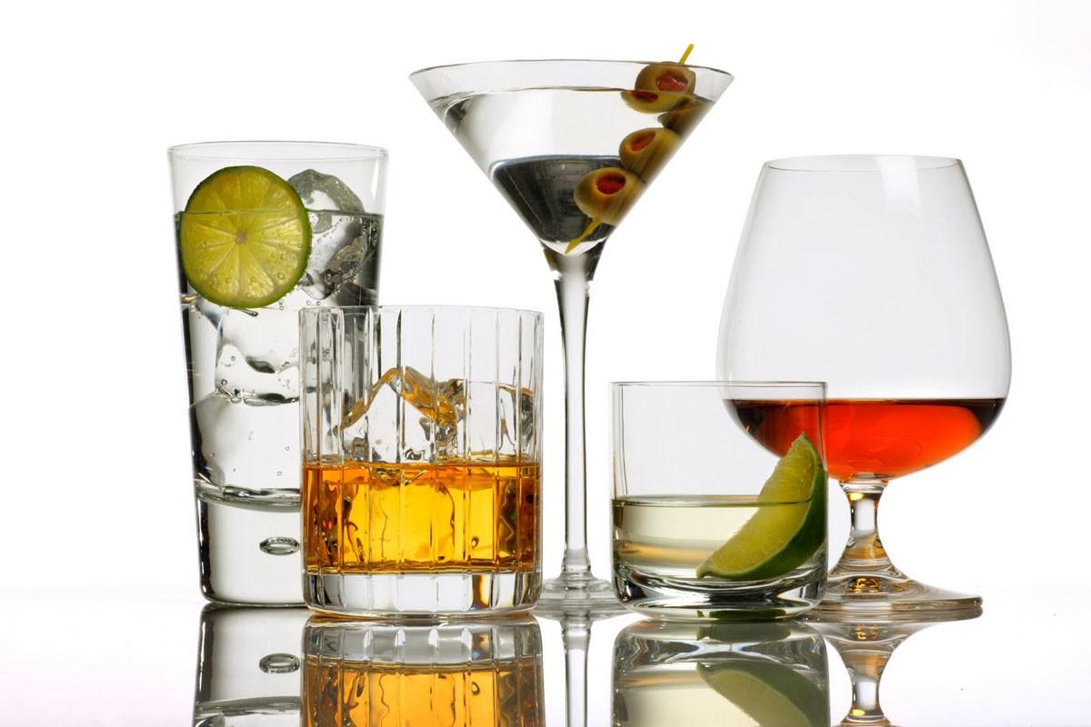 Росстат: жители России стали пить больше водки и менее пива