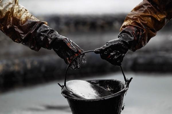 Учёные: Нефть в Европу с VII века доставляли с Ближнего Востока