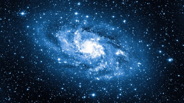 Ученые NASA обнаружили галактику из синих звезд