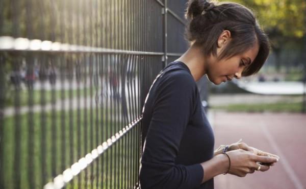 Ученые: Боли в шее могут быть связаны с частым использованием гаджетов