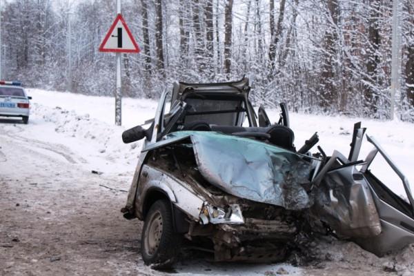 В Чебоксарах пьяный водитель Lexus устроил смертельное ДТП