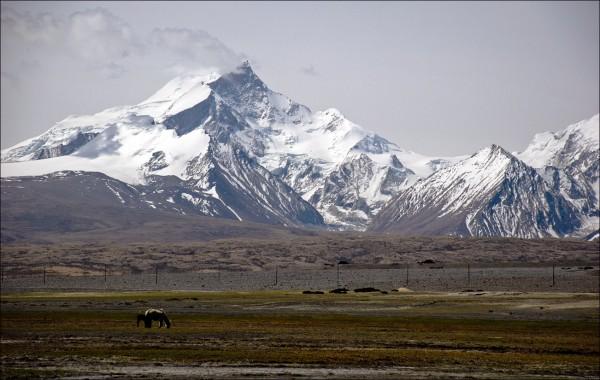 Ученые назвали причину схода лавины в Тибете