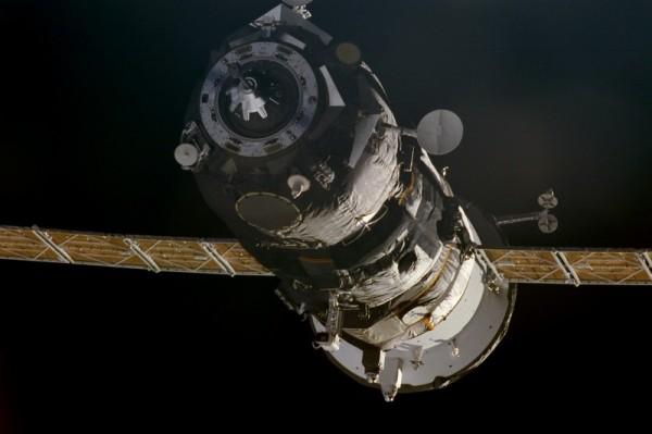 В России разрабатывают систему для стыковки космических аппаратов на орбите Луны