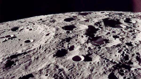 Ученые: Лавовые трубы внутри Луны могут вместить человеческие колонии