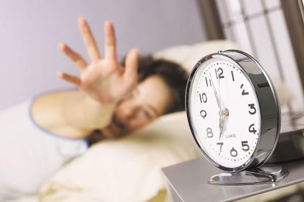 Ученые: Ранний подъем с постели ухудшает работоспособность