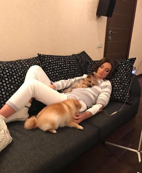 Ольга Бузова под капельницей рассказала о тяжелом заболевании
