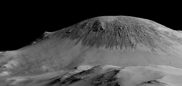 Ученые сомневаются в наличии на Марсе жидкой воды в темных линиях