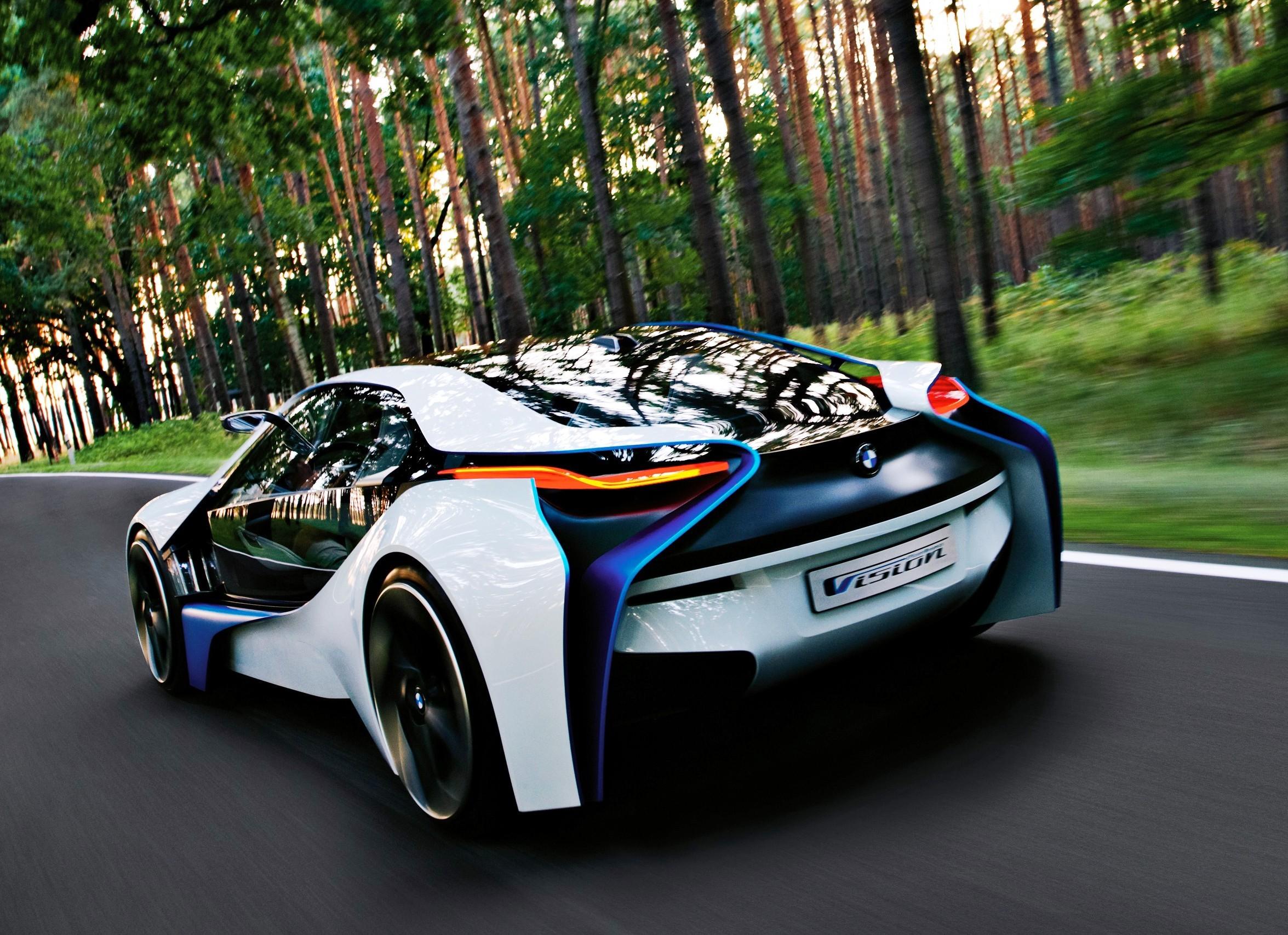 В Англии скоро будет доступен к покупке новый гибрид от BMW