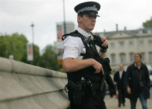 Сервис для телефонов расскажет британцам онавыках первой помощи при терактах