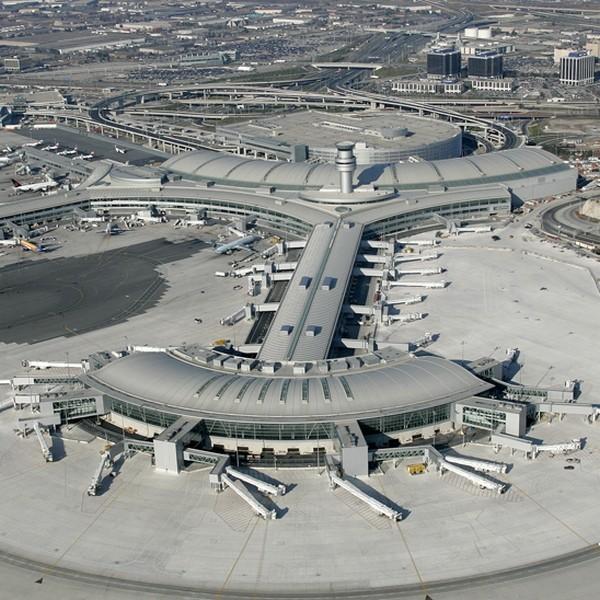 Два пассажирских самолета столкнулись вКанаде