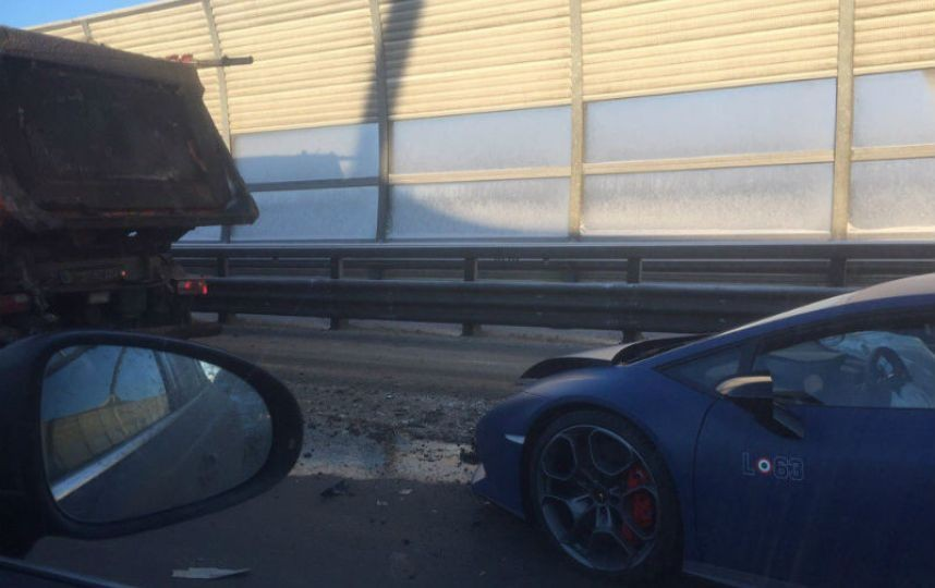 Автомобиль Lamborghini попал вДТП вПетербурге
