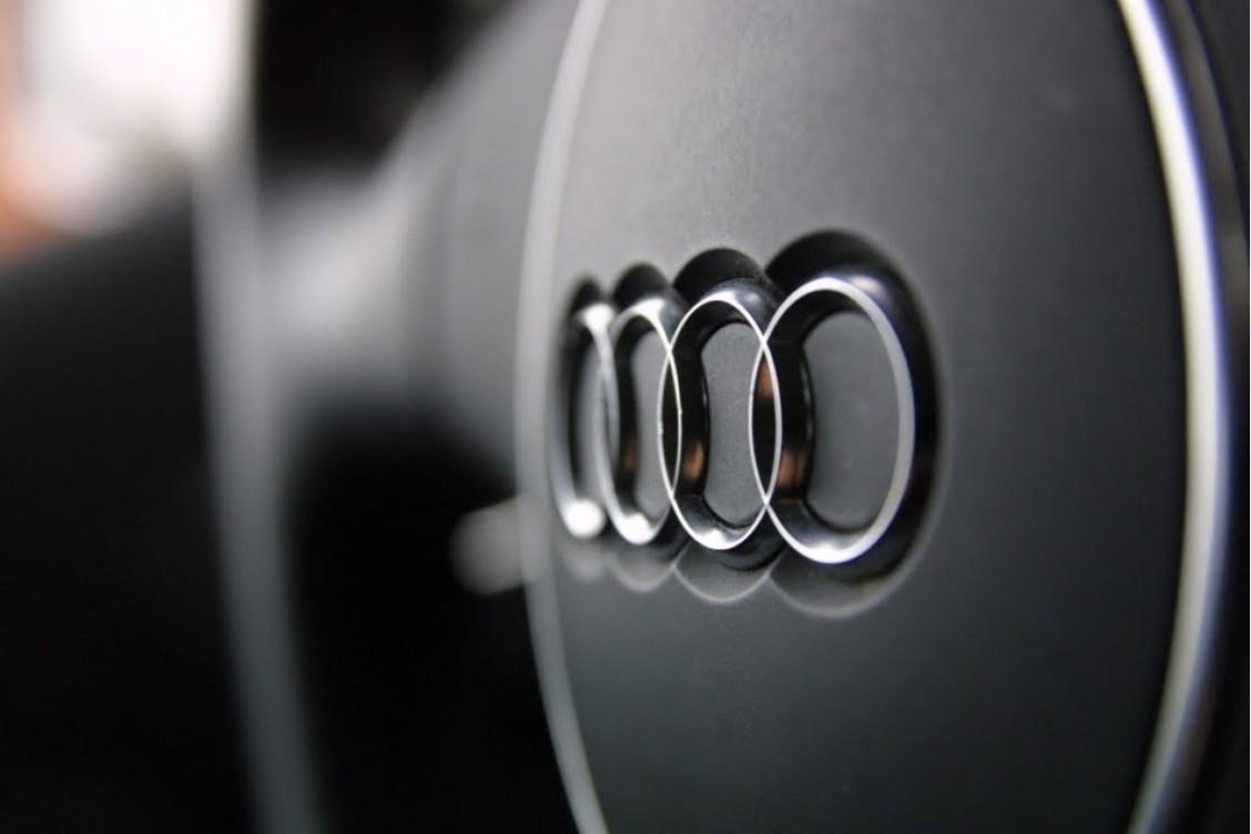 Кросс-купе Ауди Q8 рассекретили навидео
