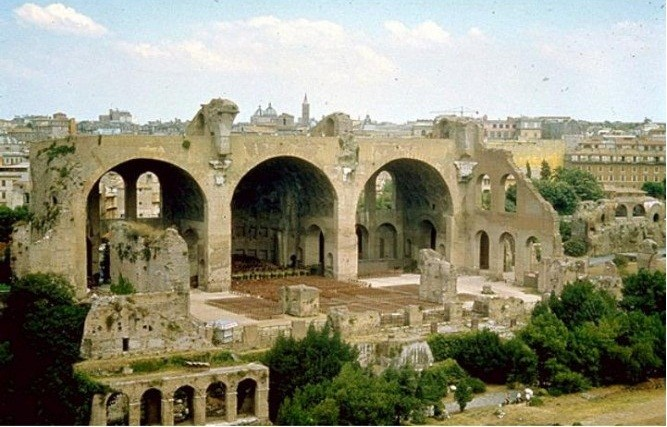 Мужчина ранил «розочкой» 2-х священников вримской церкви