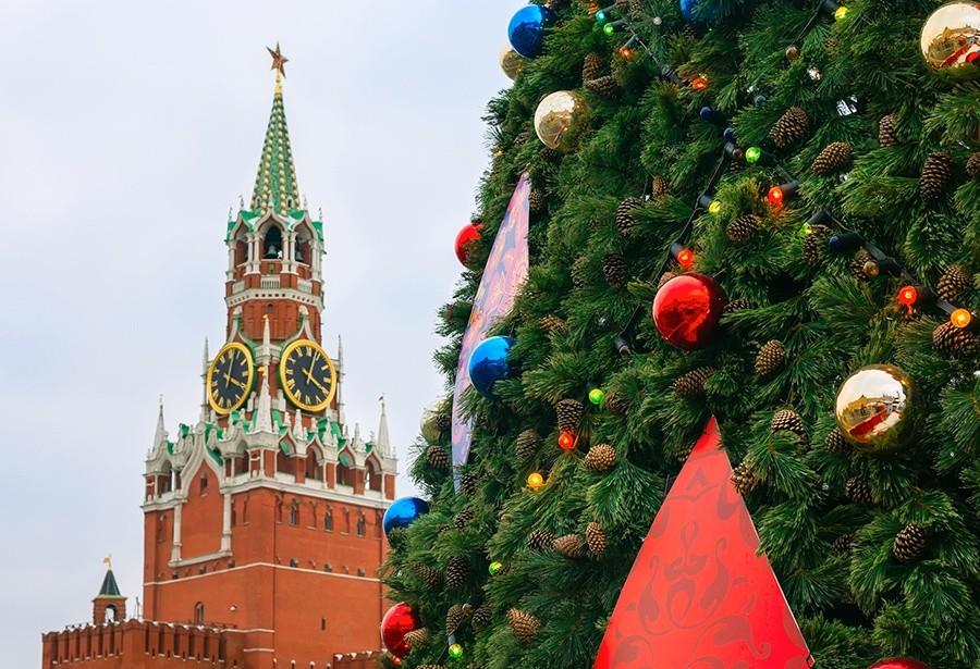 Дети высланных изсоедененных штатов дипломатов посетили кремлёвскую ёлку