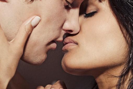 Ученые пояснили скромность женщины ввыявлении собственных половых желаний