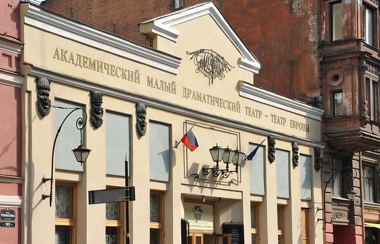 Генподрядчик построительству свежей сцены МДТ требует отМинкультуры 590 млн руб.
