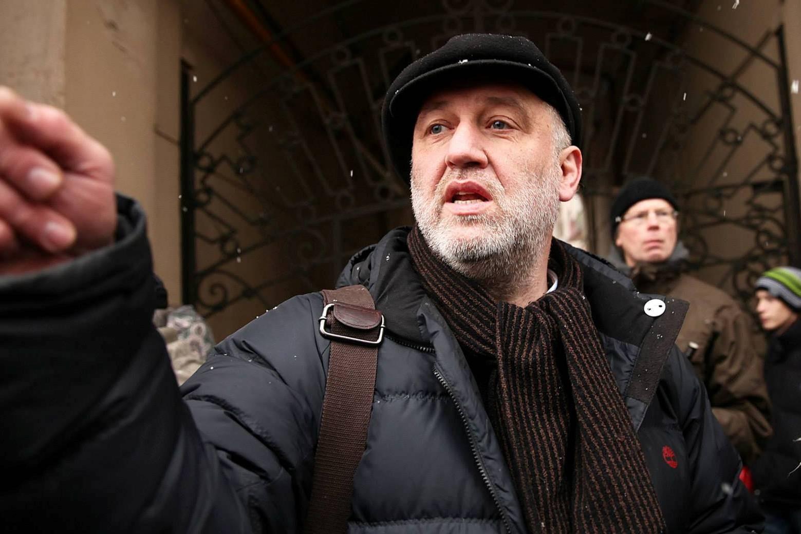 Русского публициста исключили изПЕН-центра заподдержку Сенцова