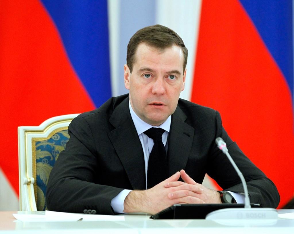 Медведев поручил министру финансов иМинэкономразвития рассмотреть предложения губернаторов посубсидиям регионам