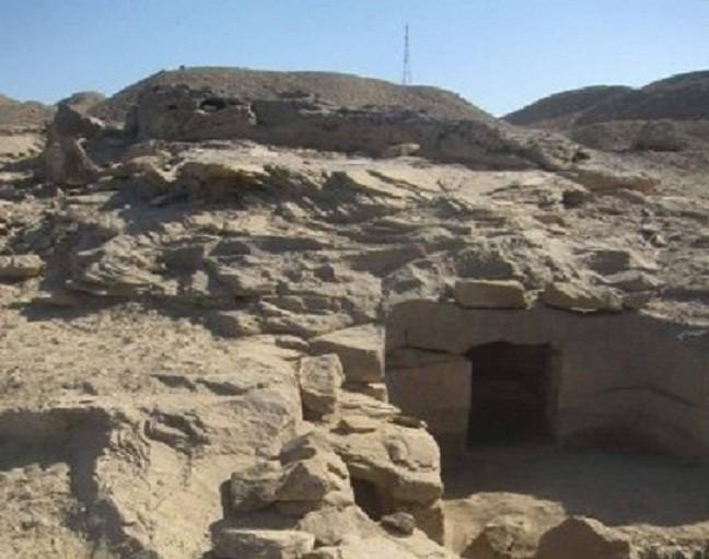 ВЕгипте археологи открыли 12 новых гробниц времен Нефертити иХатшепсут