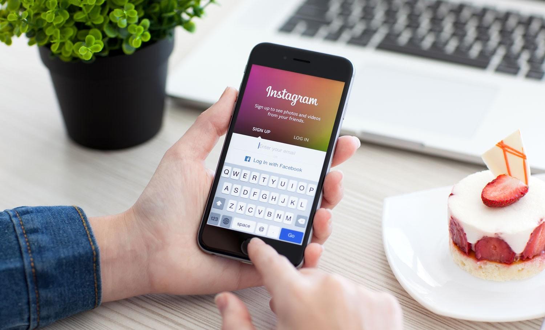 Звезд социальная сеть Instagram обвиняют впроституции