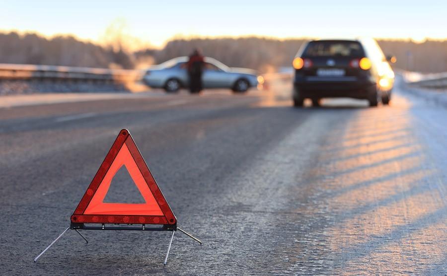 ВКрасноярске нетрезвый шофёр устроил ДТП, вкотором пострадала его пассажирка