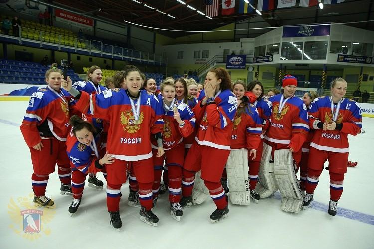 Женская молодёжная сборная США похоккею стала чемпионом мира