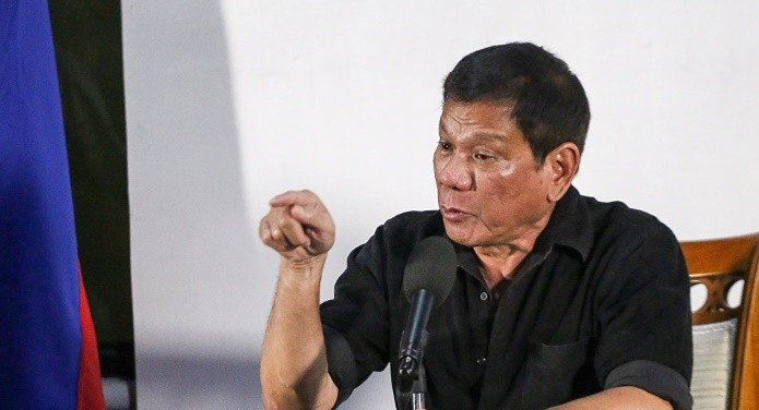 Президент Филиппин проинформировал овозможности введения военного положения вгосударстве