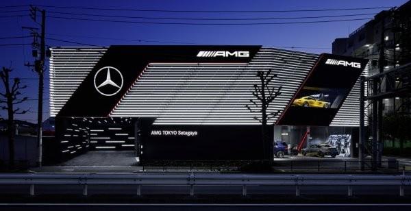 ВТокио открыт 1-ый эксклюзивный салон Mercedes-AMG