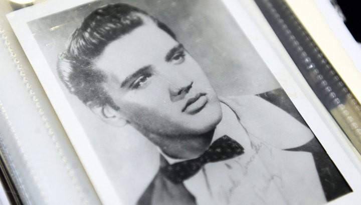 Фанаты опубликовали новое фото «живого» Элвиса Пресли