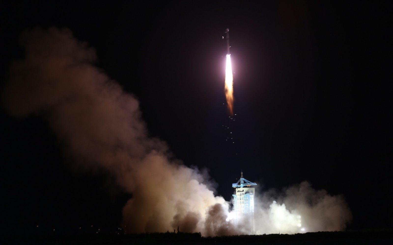КНР запустил 1-ый вмире спутник квантовой связи