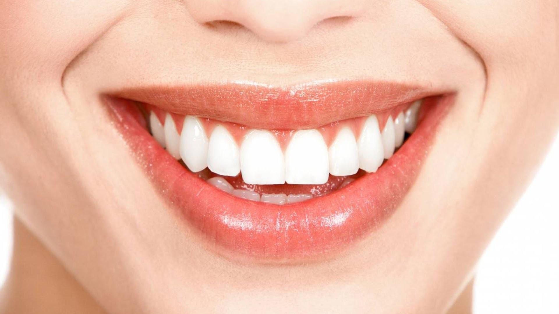 Лекарственное средство отнедуга Альцгеймера помогает восстановить зубной ряд