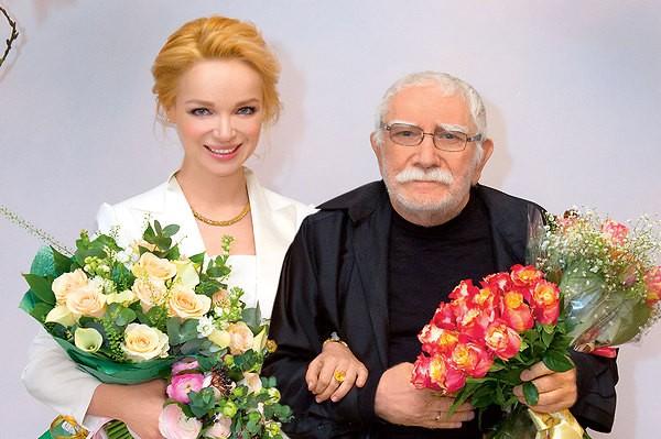 Оставленная супруга Джигарханяна попросила артиста отказаться отквартиры вцентральной части Москвы