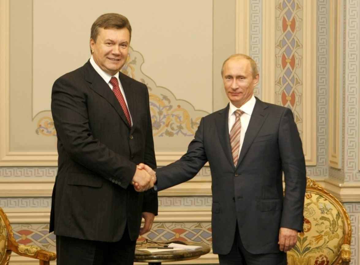 Репортеры показали письмо Януковича кПутину спросьбой ввести в Украинское государство войска