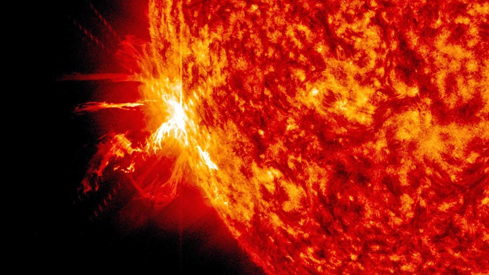 Астрономы подсчитали, сколько потеряет экономика США отмощных вспышек наСолнце