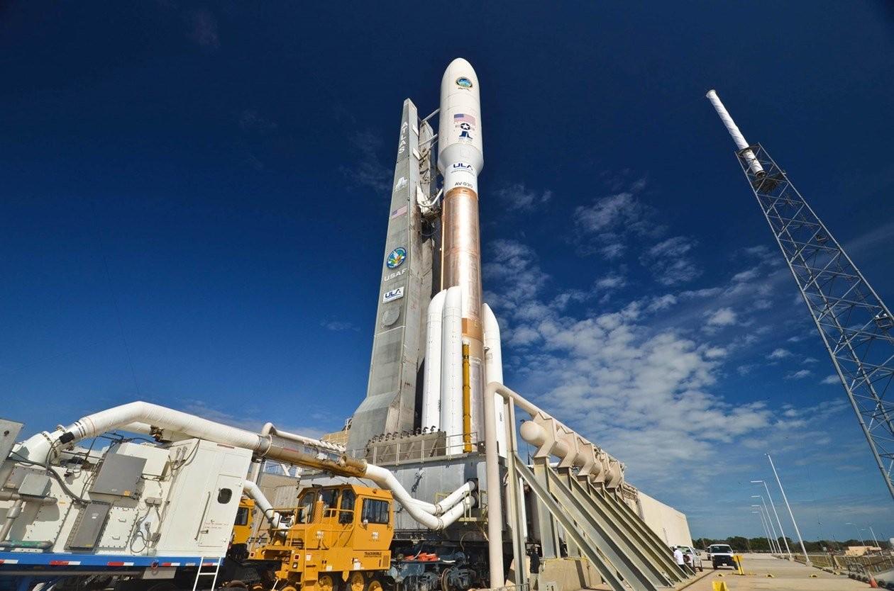 США запустили ракету Atlas своенным спутником