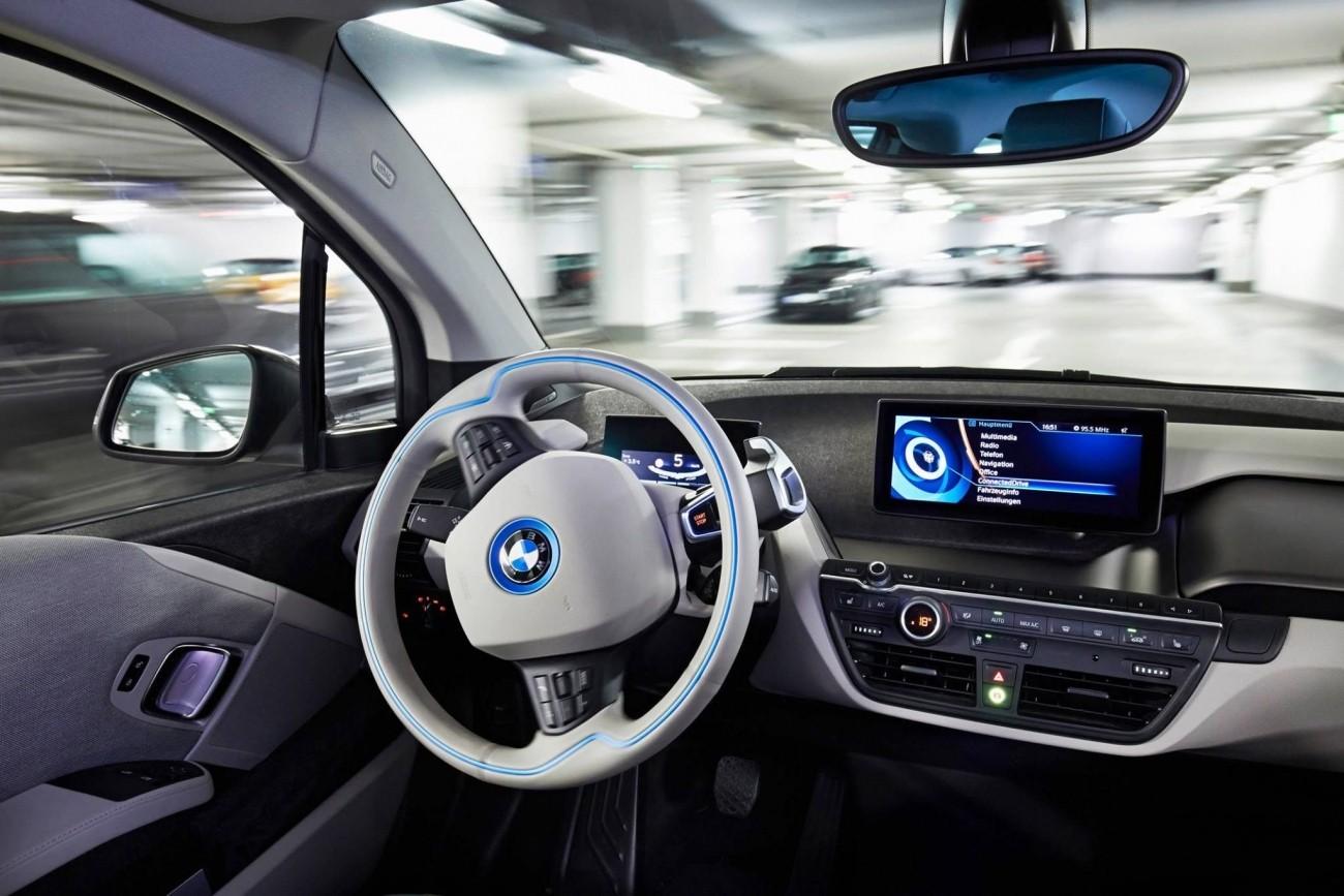 Внынешнем году БМВ начнет тестировать 40 беспилотных авто