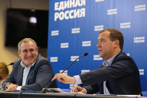 «Главный ресурс президента». Медведев похвалилЕР заработу