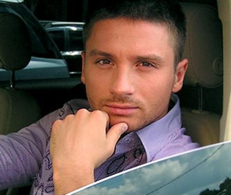 Экс-продюсер Сергея Лазарева рассказал, кто мог родить певцу сына