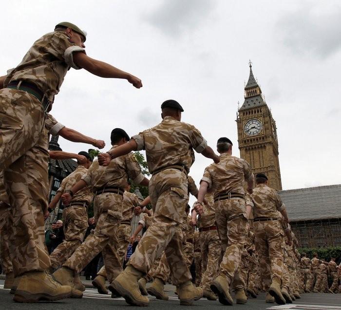 Армия Англии будет разбитаВС РФзаодин день— английские СМИ