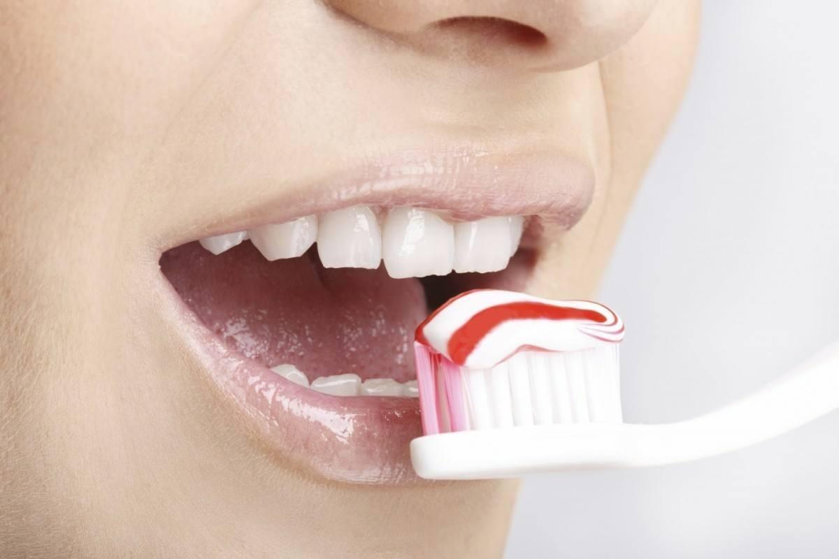 Частое использование зубной пасты или жвачки может привести к раку