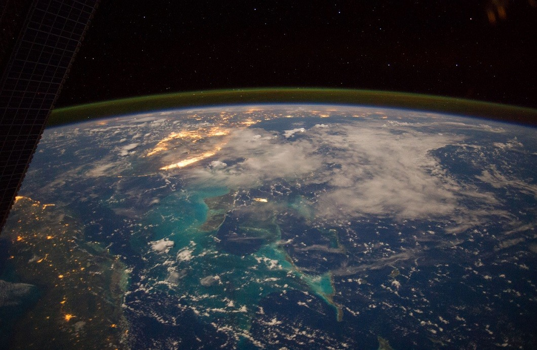 NASA показало фантастические фото Земли с самого нового спутника