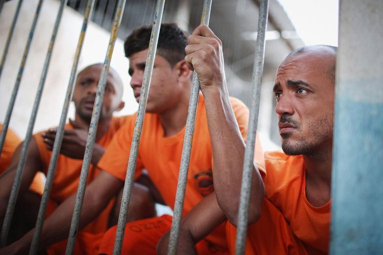 Избразильской тюрьмы впроцессе  бунта убежали  200 заключенных