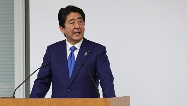 Премьер-министр Японии дважды приедет в Россию за 2017 год