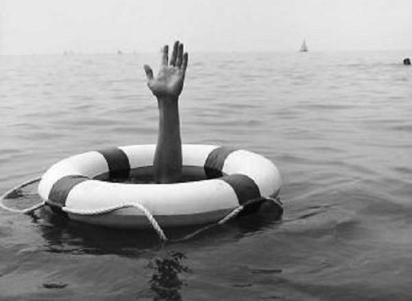 В Венеции под смех очевидцев утонул беженец из Африки